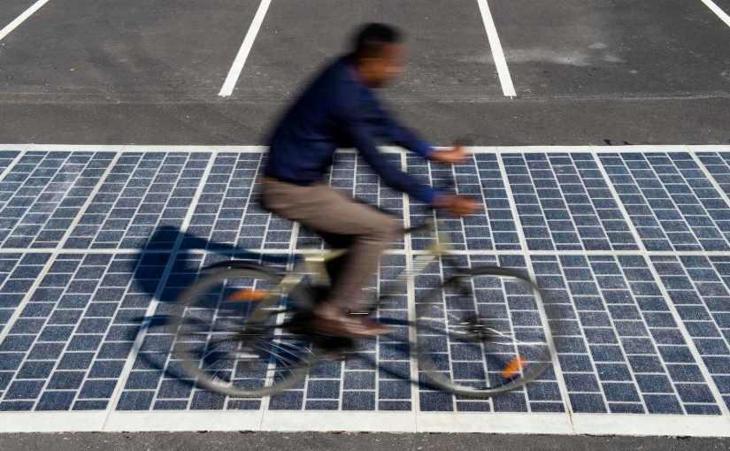 Erste Solarstraße der Welt für PKW in der Normandiefreigegeben