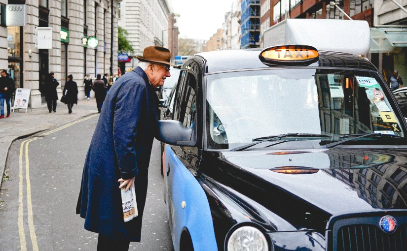 Londons traditionelle schwarze Taxen werden bis 2021elektrifiziert