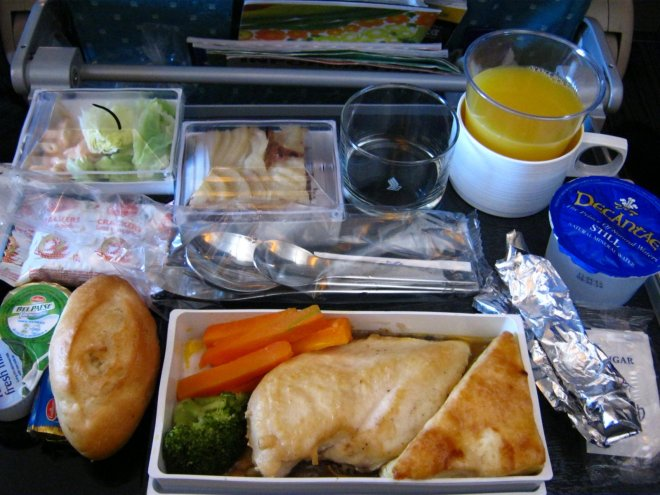 Ryanair_will_plastik_abschaffen_food