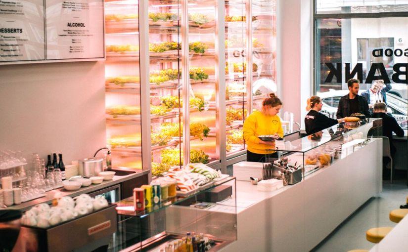 Deutschlands erstes Restaurant mit eigener Salaternte hinter demTresen