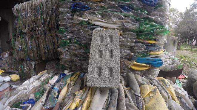 Ziegel aus Plastikflaschen kommen aus Argentinien