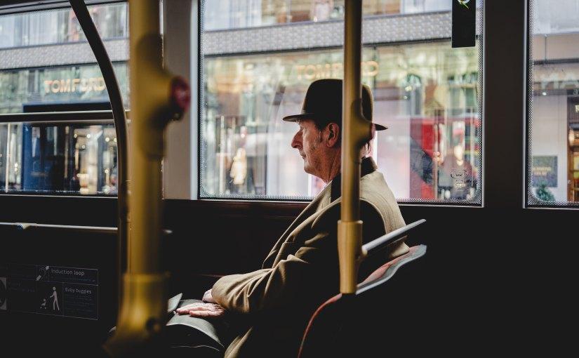 In diesen Städten können Senioren ihren Führerschein gegen kostenfreie Fahrkarten für Busse und Bahneneintauschen