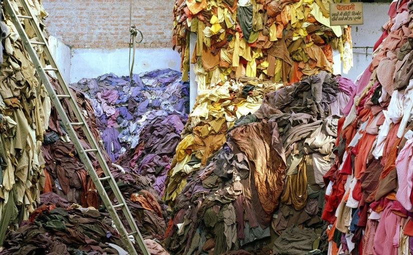 Frankreichs Premierminister will  das Wegwerfen von unverkauften Textilienverbieten