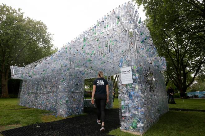 Marine Project Space of Waste in London Zoo